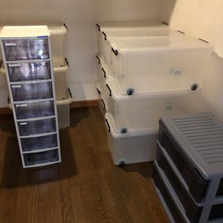 クリアボックス12個、引き出し収納2個