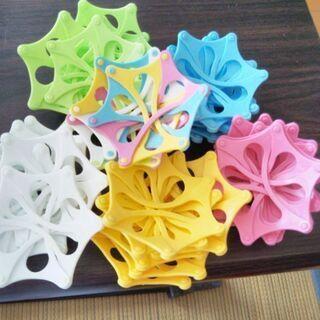 プラスチックの立体組み立ておもちゃ