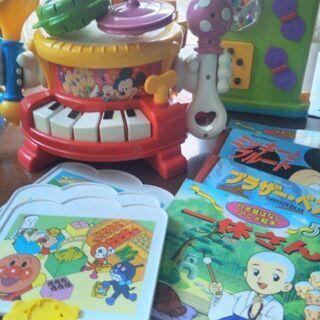 タカラトミー リズム遊び・指先の知育玩具