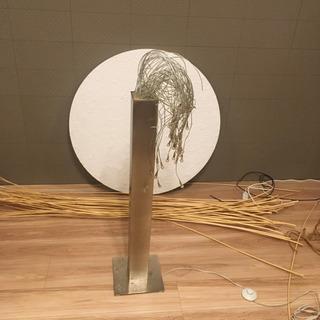 幻想的なフロアスタンド照明 − 愛知県