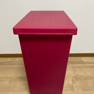 ゴミ箱 (赤)
