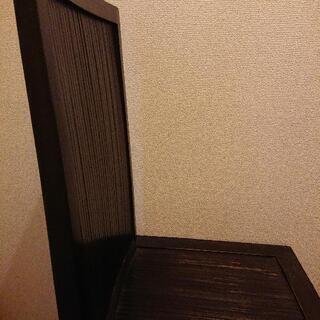 アジアン風の椅子