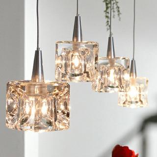 ガラスキューブハロゲンペンダントライト 4灯