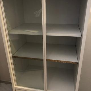小さい食器棚