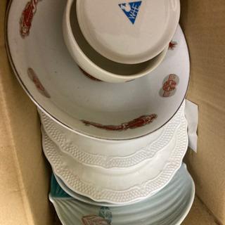 無料: 皿 平皿、醤油ざら、ラーメンどんぶり、茶碗
