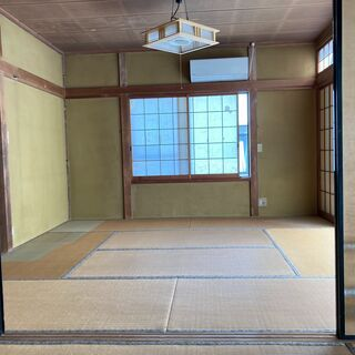 Old japanese-style Zen house in ...