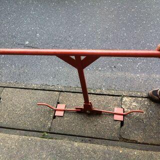 側溝のコンクリートフタ上げ工具  蓋の適合サイズは480~500...