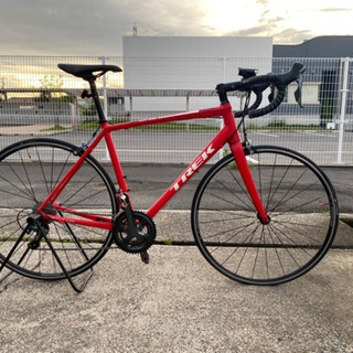 ロードバイク TREK 赤