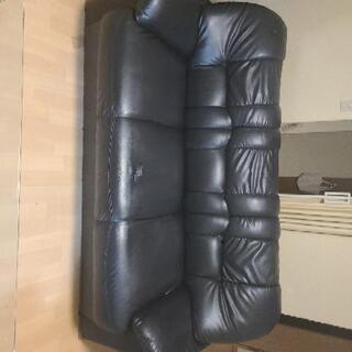 三人掛ソファーの画像