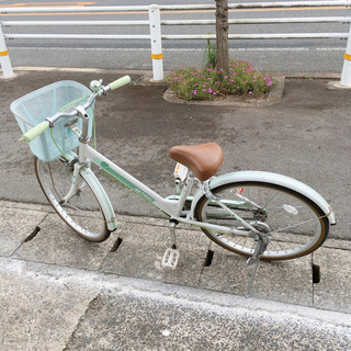 自転車✨女の子向け✨22インチ ホワイト×グリーン✨鍵あり…