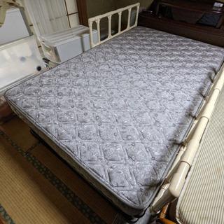 【中古】ベッド差し上げます