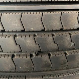 最終値下げ早い者勝ち!トラック用タイヤ 低床、ダンプ等27本まとめ - 札幌市