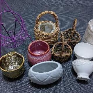 フラワーアレンジメント用花器、ワイヤー花器 、カゴ