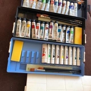中学生で使う絵の具