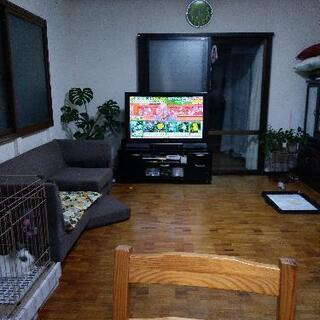 42型TVとテレビ台付き