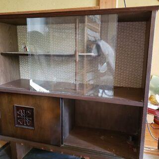 木製食器棚、無償で差し上げます。