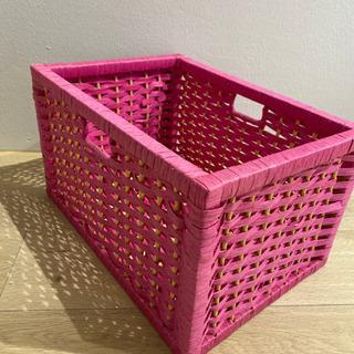 【譲ります】ピンク色 収納カゴ