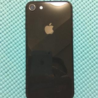 週末値下げ au版iPhone8 64GB SIMロック解除