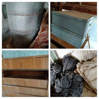 古タイヤ ドラム缶 キーボード 乳母車など廃材   の画像