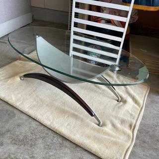832 ガラステーブル