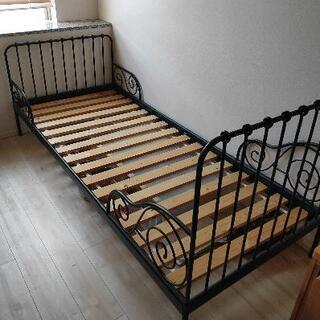IKEAアイアン伸縮ベッド