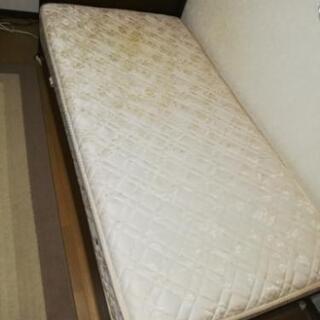 日本ベッド製ベッド譲ります(市川市)