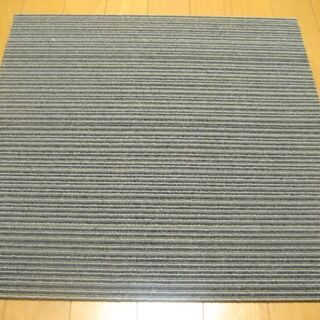 日本製タイルカーペット厚み6.5㎜・1枚190円・在庫87…