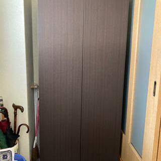 下駄箱 たくさん棚ありプッシュオープン扉
