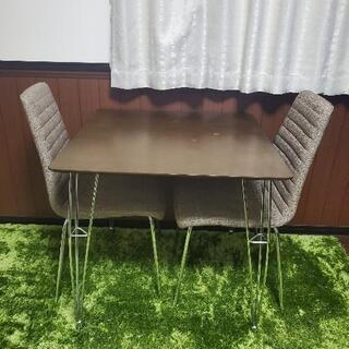 カフェテーブル・チェア×2
