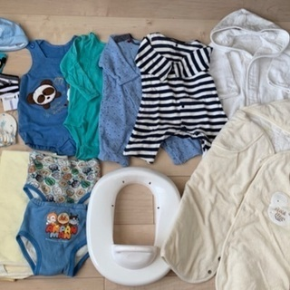ベビー服と小物