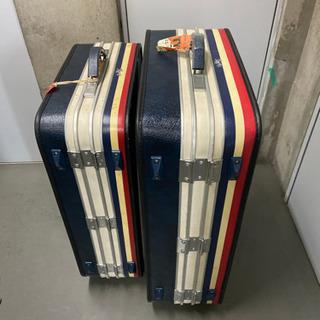 大型スーツケース2つあげます