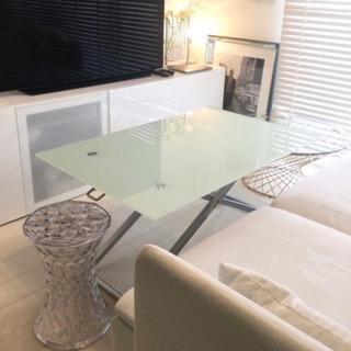 【ネット決済】【ガラステーブル】 昇降式 白乳色お洒落テーブル