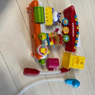 アンパンマン  お風呂であそべるおもちゃ 電池入り 美品