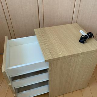 サイドテーブル(コンセント2口付き)