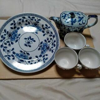 【お取り引き確定済み】ティーセットとお皿の組み合わせ