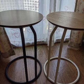 ニトリ、小さなサイドテーブル