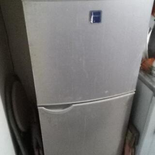 シャープ冷蔵庫を取りに来てくれる方無料で譲ります。