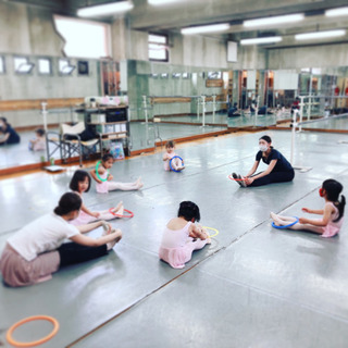2歳からのプレバレエ🎶 JR堺市駅徒歩1分 山本紗内恵バレエスクール