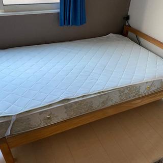 セミダブルベッド!マットレス、ベッドパット付き!