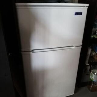 新品同様 今年5月購入 一人暮らし用 ノンフロン冷蔵庫