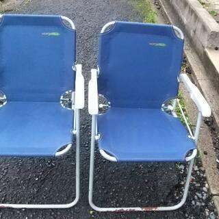 「NORTH FIELD 折り畳み椅子」×2脚
