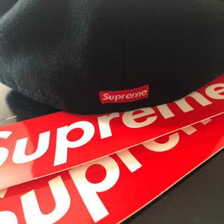 supremeの新品キャップおまけ付き