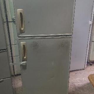 冷蔵庫 220L 使えます。