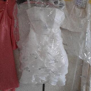 ウェディングドレス ロングショート各ひとつずつ