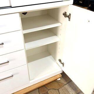 札幌近郊 送料無料 ニトリ 食器棚 ホワイト 大量収納 幅88㎝×奥行42㎝×高さ210㎝ - 売ります・あげます