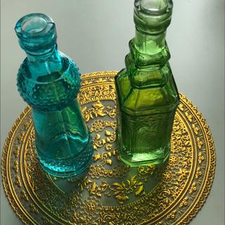 小さな花瓶2つ、雑貨シート