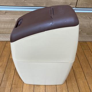 アップリカ におわなくてポイ 消臭オムツ用ゴミ箱 − 埼玉県