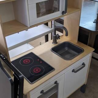 【✨おすすめ品✨】IKEA おままごとキッチン 小さなシェフやパ...