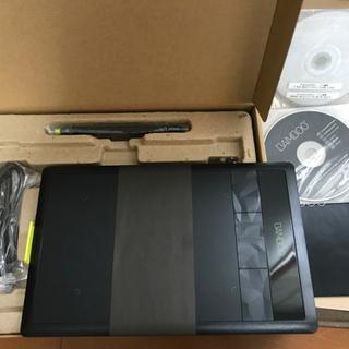 お話し中【美品】Wacom ペンタブレット Sサイズ ブラック イラスタMini&コミスタMini付属 Bambooコミック CTH-470/K2 - パソコン