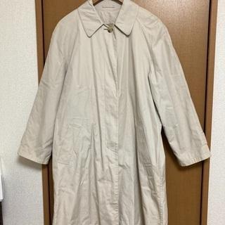 薄手コート 汚れあり。